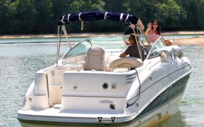 What to Know About Renting a Boat on a Family Vacation