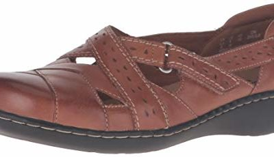 Clarks Women's Ashland Spin Q Slip-On Loafer, Tan, 6.5 B(M) US